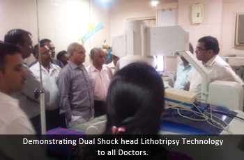 Demonstrating Dual Shock head Lithotripsy Technology to all Doctors.